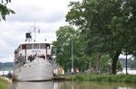 Kanalmagasinet ligger endast några meter från Göta Kanal.