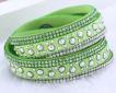 Läderarmband med strass & silverdetaljer - Limegrönt armband med strass och silver detaljer
