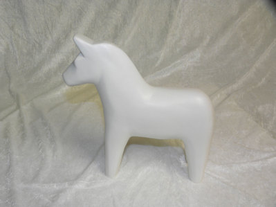 Stor häst vit matt.  395:-