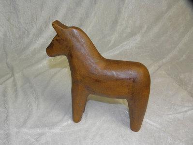 Brun stor brun häst.  395:-