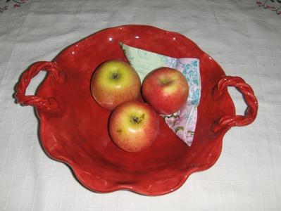 Fruktfat med handtag. ca. 30 cm i diam.