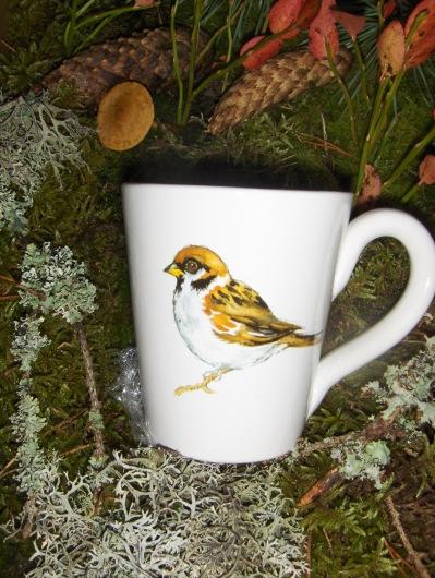 Bild-10  Fågelmugg med Pilfink, höjd 10 cm.  Pris 139:-