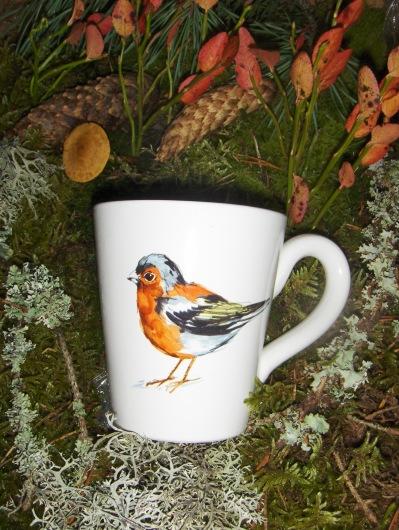 Bild-13  Fågelmugg med Bofink, höjd 10 cm  Pris 139:-