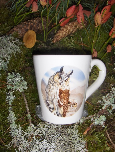 Bild-12  Fågelmugg med Hornuggla, höjd 10 cm.  Pris 139:-