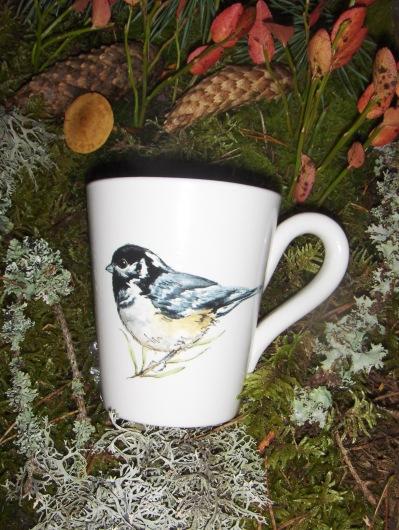 Bild-22  Fågelmugg med Svartmes,  höjd 10 cm.  Pris 139:-