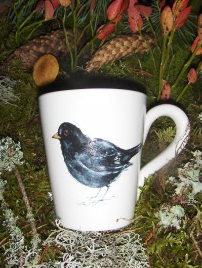 Bild-24  Fågelmugg med Koltrast, höjd 10 cm.  Pris 139:-