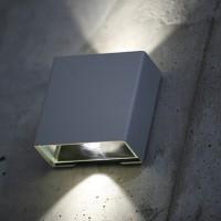 Stilren utebelysning vägg och fasad - Klint, by Roger Pradier - hos Alegni Interiors