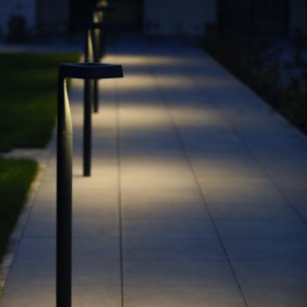 Pollare - utebelysning med integrerad led - Kollektion Square - hos Algeni Interiors, Stockholm