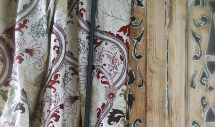 Fodrade sidengardiner i Stockholm - Alegni Interiors