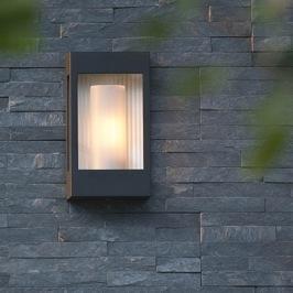 Utebelysning - Kollektion Brick - Utelampa vägg och pollare - Modern utomhusbelysning -  hos Alegni Interiors, Stockholm