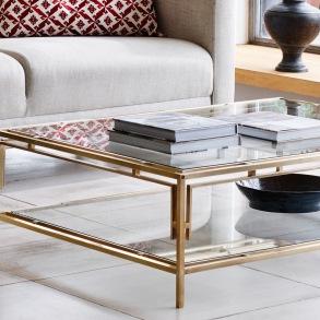 Möbler - Soffbord i mässing och glas - Kollektion  Vaughan Designs - Beställ hos Alegni Interiors Stockholm