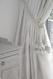 Vi syr upp fodrade gardiner. Klassisk gardinsömnad - måttbeställ hos Alegni Interiors, Stockholm