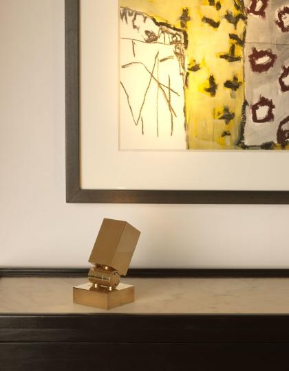 Liten bordslampa Curtis Uplighter - mässing, brons och nickel - by Vaughan Designs - beställ hos Alegni Design Interiors, Stockholm