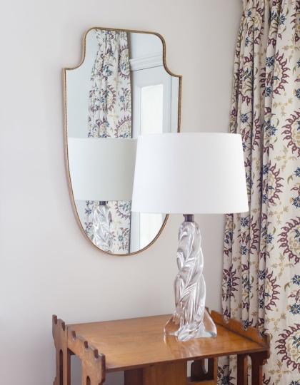 Spegel Berrington i mässing - by Vaughan Designs  - hos Alegni Interiors Stockholm