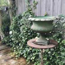 Inred din trädgård - antik järnurna - av Alegni Design Interiors, Stockholm