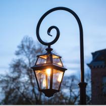 Vackra lyktstolpar - Klassisk utelysning - Kollektion Place des Vosges 2 - Trädgård & gatubelysning, sekelskifte - Alegni Interiors