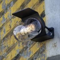 Utomhusbelysning i industriell stil - Vägg & entré - Stolpbelysning - Kollektion Sherlock, IP65 - hos Alegni Design Interiors, Stockholm