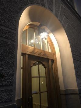 Utebelysning - taklampa till entré i Stockholm - kollektion Place des Vosges 1 T - downlight - beställ hos alegni.com