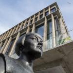 Göteborgs stadsbibliotek och Karin Boyestatyn