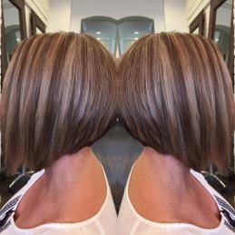 Klippning och styling av hår.