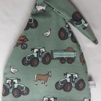 Traktor,häst,får på grön botten