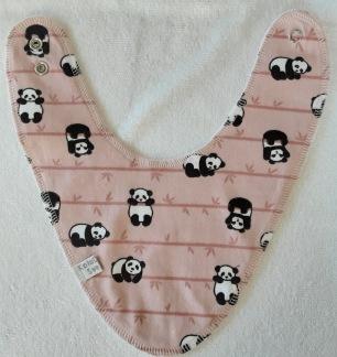 Pandor på gammel rosa botten - Ca: 2-14 månader