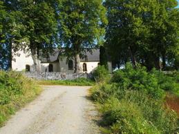 Kyrkan från Asknäs och vattnet