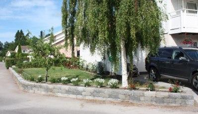 Trädgårdsmur av murblock