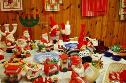 Iréne och Gerd hade plockat ihop julsaker
