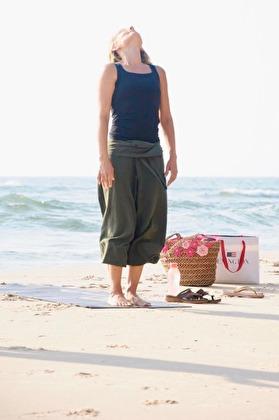 Morgonyoga på stranden