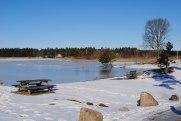 Isen ligger tjock i Hyllingsunds hamn