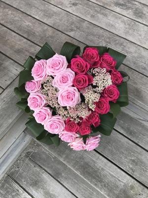 Blomsterarrangemang från bröllopet.