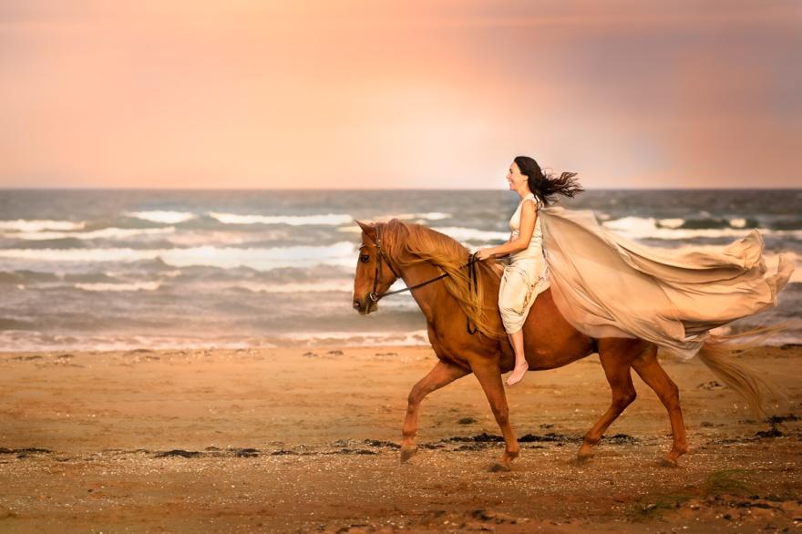 Zorro och Camilla på Mellbystrand Fotograf Maria Lindberg