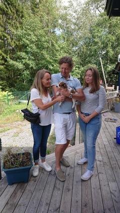 Värmdö blir ny boplats för Minoo  hemma hos Liza med fam