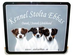 Stolta Ebbas Kennel i  pulverlackerad aluminium  65*55 cm