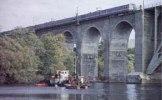 Kärnborrning för ny järnvägsbro vid Årsta holmar, sommaren 1995 i Stockholm.