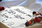 marsipan kake med vaniljebavarois og bringebær