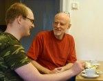 Emil Arvestrand och Per Grunditz diskuterar vad som skall finnas med på hemsidan!