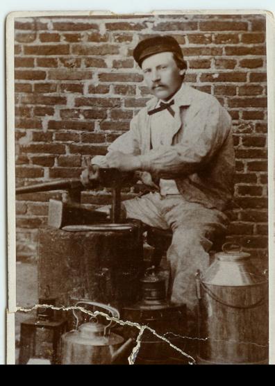 Otto Jansson i smedjan