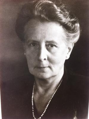Else (Omi) Hammar  född Rodatz, från Hamburg. Föddes1878 avled 1984 vid 105 års ålder och var vid sin död Stockholms äldsta innevånare.