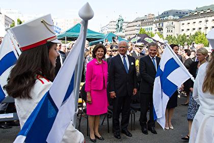 Kungaparet och presidentparet vid invigningen av festivalen i Kungsträdgården. Foto: Kungahuset.se.