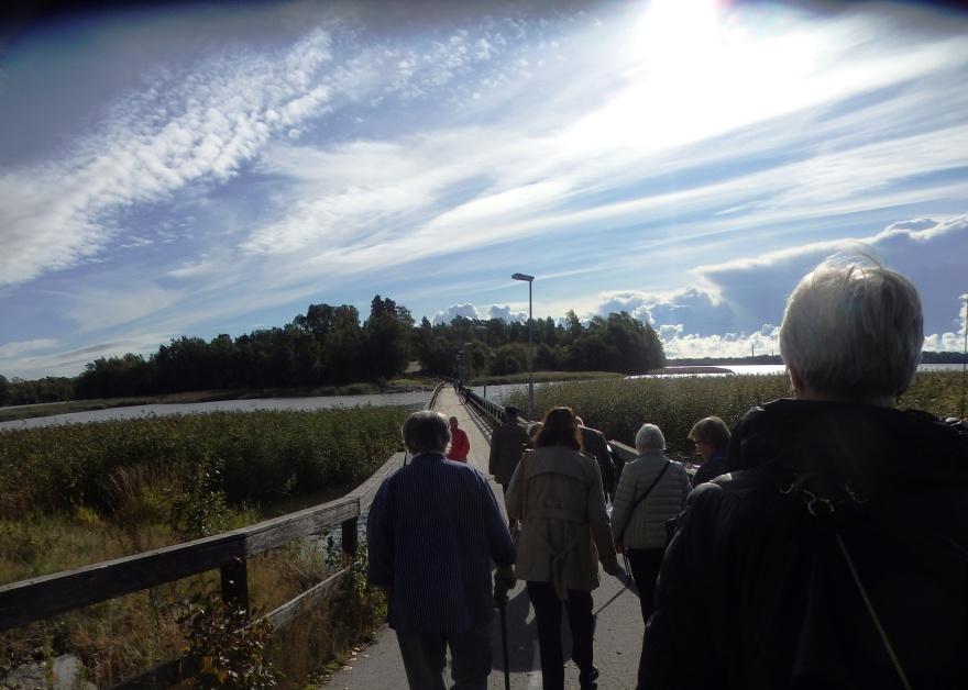 På vandring mot Gallen-Kallelas ateljé - men här åt fel håll...