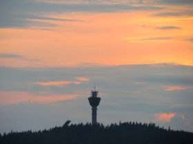 Puijotornet på avstånd. Foto Lasse Zilliacus