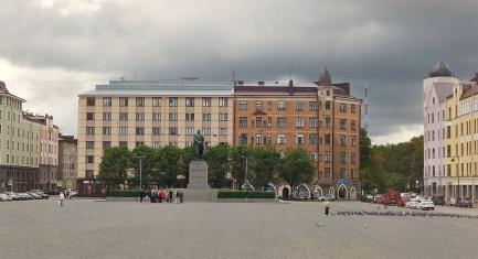 Till det här torget kom Lenin för att stanna...