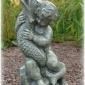 """""""Pojke med en fisk"""" Art.nummer: 1420, Vikt: 14 kg, Höjd: 50 cm"""