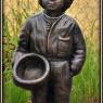 """Pojke med skål"" Art.nr: 1407, Vikt: 25 kg, Höjd: 70 cm"