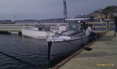 Denna båt är extrautrustad med Hard Top, ett tillbehör som finns till både Wa och Wac