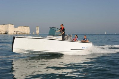 Motorboat Monthly Sea trial                                         Bild: Drake Marine Ltd