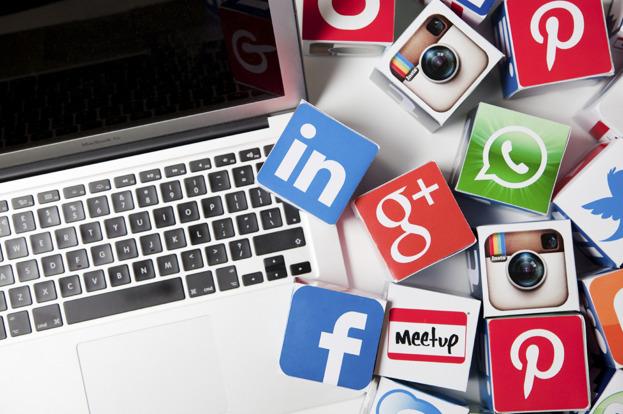 sociala medier, sociala nätverk, twitter, facebook, instagram