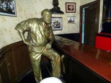 Hemingway i naturlig storlek 190 cm